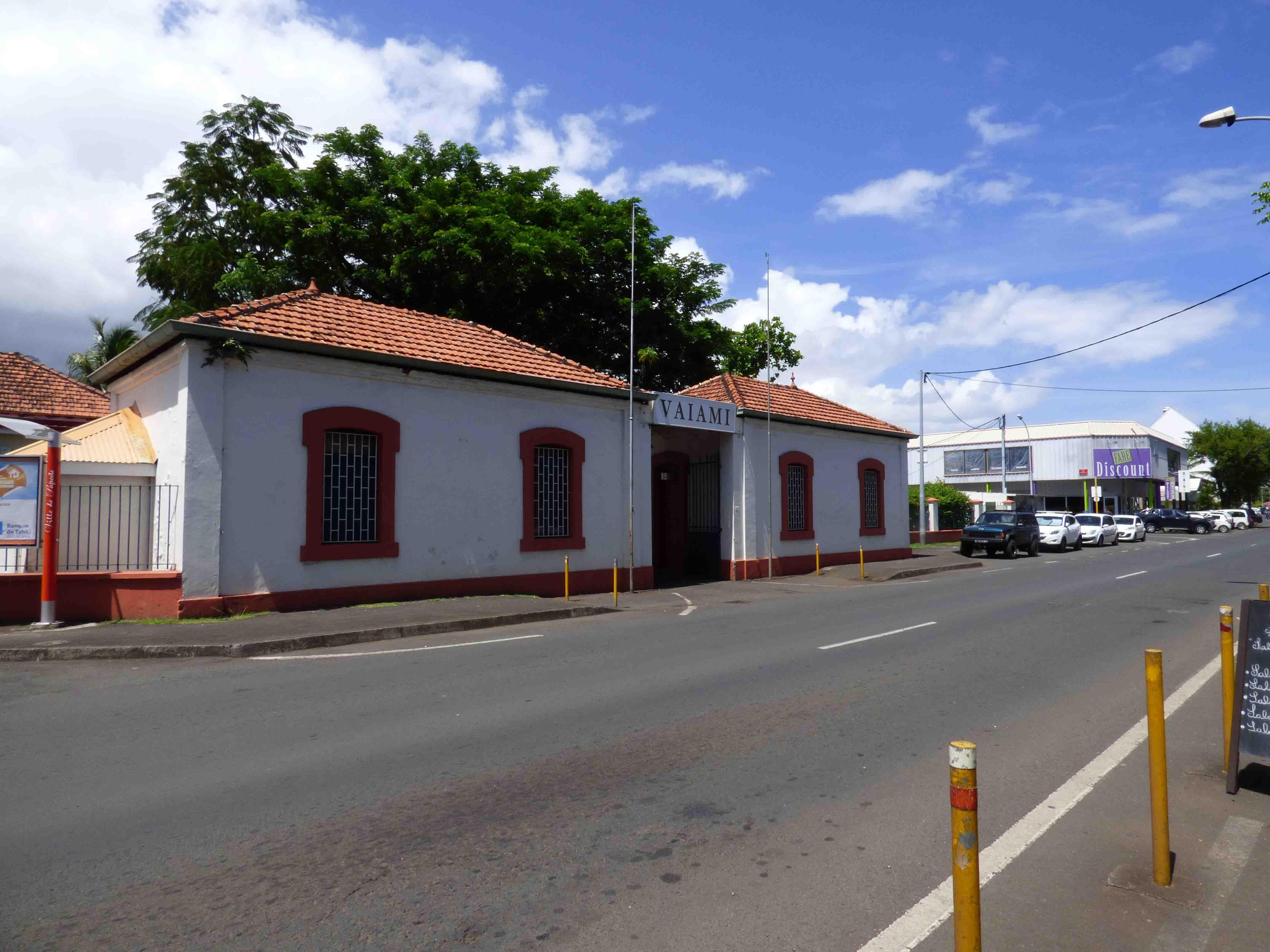 Excursion Papeete. Aucune activité de Papeete ne propose de découvrir les anciens bâtiments de la ville.